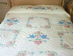 Amish Applique quilt from Lancaster, PA
