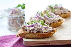 Tartine tonno e mascarpone alle erbe, la ricetta | Fantasie di cucina