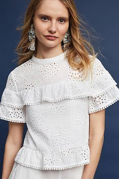 Posh fun eyelet blouse by MAEVE. White Eyelet with STARS motives. This kimono sleeved top is decorated with eyelet, for a look that's slightly playful but still very polished. Look Fashion, Fashion Outfits, Anthropologie, Gamine Style, Trendy Tops, White Women, Blouses For Women, Ideias Fashion, Casual
