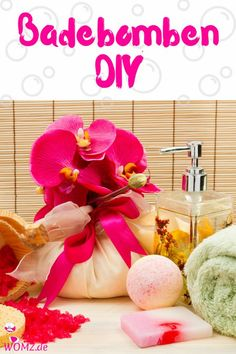 DIY Badebomben Rezept - so einfach kannst du Badebomben selber machen. Ein einfaches Tutorial für selbstgemachte Badebomben. Perfekt als Geschenk für Weihnachten oder zum Geburtstag. Und gerade DIY Geschenke liegen total im Trend. Die Badebomben schäumen im Wasser und sind so einfach hergestellt, dass du dir keine mehr kaufen musst. #badebomben #badekugeln #diy #selbermachen #selbstmachen #geschenke #diygeschenke