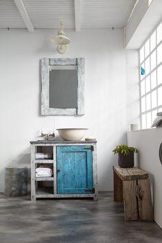 Χειροποίητα Επιπλα μπάνιου με βάση το ξύλο. Rustic style Bathroom. Industrial details.