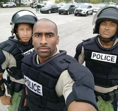 black men in uniform Hot Black Guys, Fine Black Men, Gorgeous Black Men, Just Beautiful Men, Handsome Black Men, Black Boys, Fine Men, Hot Guys, Black Man
