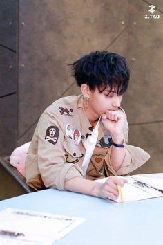 Luhan, Exo Tao, Boy Boy, Kim Jong Dae, Huang Zi Tao, Kim Minseok, Fandom, Kung Fu Panda, Kris Wu