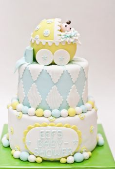Neutral baby shower cake crafted by the Silly Bakery, Netherlands.