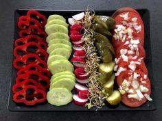 Koreczki, przekąski i przystawki. Imprezowe hity! - Blog z apetytem Appetizer Recipes, Appetizers, Organic Snacks, Catering, Sushi, Grilling, Food And Drink, Ethnic Recipes, Blog