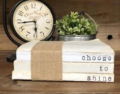 Modern Vintage Decor by UpcycledThrft Farmhouse Books, Country Farmhouse Decor, French Country Decorating, Country Homes, Farmhouse Signs, Old Book Crafts, Wood Crafts, Diy Crafts, Craft Books
