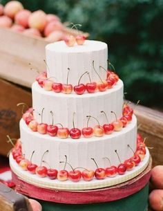 Cute summer wedding cake #cherries