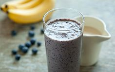 Whole Foods Blueberry-Banana Smoothie: Adding ground flax offers a healthful boost of omega fiber and protein. Breakfast Smoothie Recipes, Weight Loss Smoothie Recipes, Smoothie Drinks, Healthy Smoothies, Detox Smoothies, Smoothie Cleanse, Breakfast Healthy, Health Breakfast, Breakfast Ideas