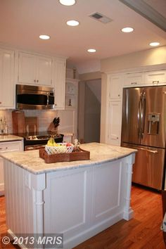 Island, Fridge, And Cabinet Placement