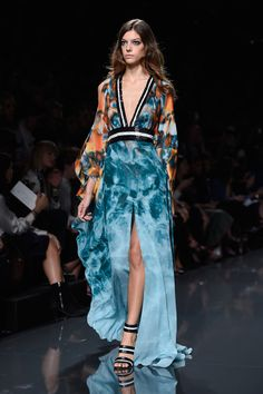 Elie Saab Takes Us on a Voyage Under the Sea For Spring 2015: Elie Saab invited us to take a dive into the ocean for Spring 2015, with a collection that paid homage to the wonders of the deep.