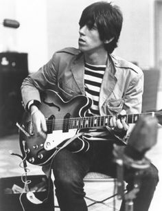 keith richards // rolling stones he may be a grandpa now but Keith Richards was pretty hot back in the day