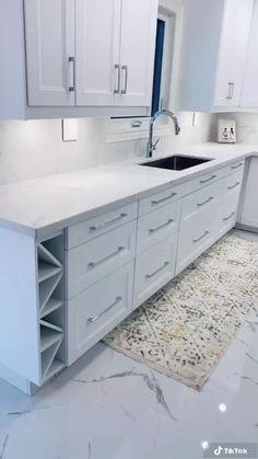 Small Room Design Bedroom, Wardrobe Design Bedroom, Home Room Design, Kitchen Cabinets Decor, Home Decor Kitchen, Kitchen Storage, Dressing Room Design, Cuisines Design, Modern Kitchen Design