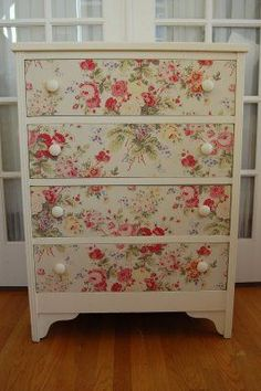 Maison Douce: Fabric dresser tutorial and cool finds! Nancy Bivins onto decoupage designs Shabby Chic, Shabby Chic Dresser, Redo Furniture, Painted Furniture, Refinishing Furniture, Home Decor, Fabric Dresser, Home Diy, Furniture Makeover