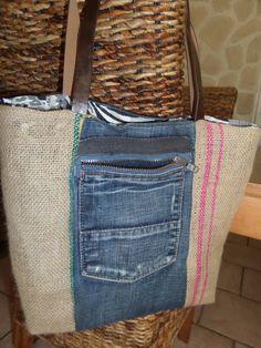 sac en jean et toile de jute : Sacs à main par feemain13 Jeans, Couture, Upcycle, Reusable Tote Bags, Throw Pillows, Etsy, Genre, Vintage, Sewing
