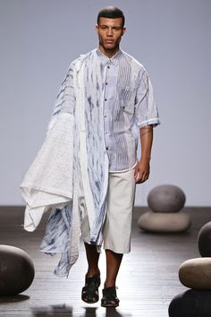 South African Fashion, African Fashion Designers, Africa Fashion, Kimono Top, Normcore, Menswear, Spring Summer, Mens Fashion, Base