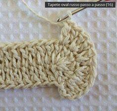 No passo a passo de hoje vamos aprender como confeccionar este lindo tapete oval modelo Russo. Crochet Doily Rug, Crochet Cushion Cover, Crochet Rug Patterns, Crochet Cushions, Love Crochet, Beautiful Crochet, Double Crochet, Crochet Stitches, Oval Rugs