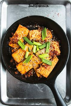 I know that tofu evokes extreme emotions. Unconvinced people in the vegan cuisine think that it is terrible and avoid Snack Recipes, Cooking Recipes, Healthy Recipes, Snacks, Tofu, Asian Recipes, Ethnic Recipes, Tortilla, Yummy Eats