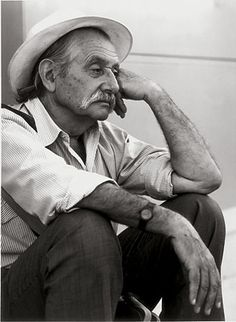 Ettore Sottsass   (Innsbruck, 14 settembre 1917 – Milano, 31 dicembre 2007 )