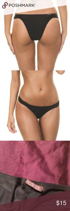 Rio de Sol Brazilian Bikini Bottoms True Brazilian bikini bottoms from Brazil. Never worn with hygienic liner, but tag was cut off. Tag in back has come unstitched on one side (see 3rd pic). Will fit XS-S. Rio de Sol Swim Bikinis