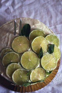 petiscosemiminhos: Bolo de iogurte e coco com buttercream de limão/ Yogurt and coconut cake with lemon buttercream