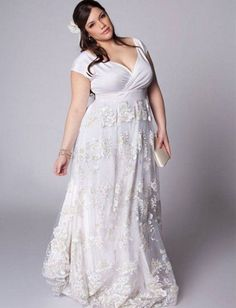 The most gorgeous wedding dress for plus size bride, from dramatic ball gowns, casual short dresses to sexy mermaid gowns. Look at the ideas below to find the plus size wedding dress of your dream! Vestidos Plus Size, Plus Size Dresses, Bridal Dresses, Bridesmaid Dresses, Plus Size Wedding Gowns, Moda Plus, Casual Wedding, Lace Wedding, Dress Wedding