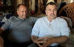 For many couples, one or two children are more than enough. For Steven (42) and Roger Ham (47), two gay men from Arizona, it takes twelve of them to make a close-knit family, all of them adopted from foster care, as the video below will show.