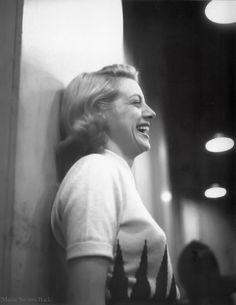 "Rosemary Clooney | ""You can't do everything alone."" She was one of the most magnificent singers of all Hollywood. She played in movie musicals. Her son bevame a good actor, also."