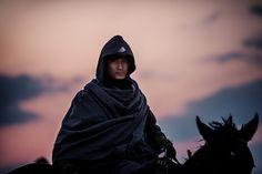 Kočovníci z mongolských stepí byli obávanými bojovníky. Díky svým koním se na stepích pohybovali velkou rychlostí. Zato horské oblasti opevněné velkou zdí pro ně představovaly problém. (Flickr/Jonathan Kos-Read) http://www.velkaepocha.sk/2015021522680/Velka-cinska-zed-nejdulezitejsi-fakta-o-svetovem-stavebnim-unikatu.html
