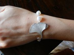 Beautiful hand-crafted Gingko bracelet~~