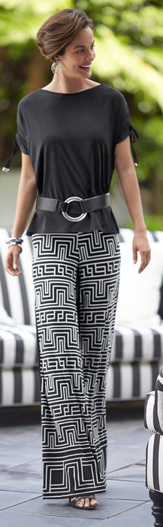 Chico's Knit Kit Greek Key Palazzo Pant - print on the front and solid black on the back