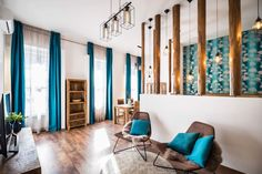 Csak ennyit kell megjegyezned: A profi lakberendezés a Padlónál kezdődik! Divider, Room, Furniture, Home Decor, Bedroom, Decoration Home, Room Decor, Home Furnishings, Arredamento