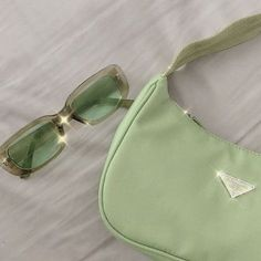 Mint Green Aesthetic, Aesthetic Colors, Aesthetic Pictures, Verde Vintage, Sage Green Wallpaper, Green Theme, Accesorios Casual, Green Photo, Green And Brown
