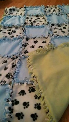 No Sew Blanket Make You Own 13 2019 No sew blanket make you own On sale near me ideas The post No Sew Blanket Make You Own 13 2019 appeared first on Blanket Diy. Fleece Crafts, Fleece Projects, Fabric Crafts, Sewing Crafts, Sewing Projects, Burlap Crafts, Wreath Crafts, Sewing Ideas, Diy Crafts