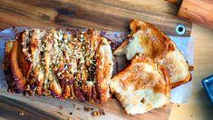 Trhací buchta scukrem askořicí - Proženy Turkey, Bread, Baking, Desserts, Recipes, Cakes, Buxus, Tailgate Desserts, Deserts