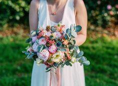 Le joli bouquet de Tiphaine ♥ © Chlotidien Bouquet, Le Jolie, Stuffed Sweet Peppers, Floral Wreath, Mint, Wreaths, Decor, Nice Flower, Flowers