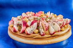 Frolla Farro e mandorle, biscotti amaretto al limone, cremoso al caramello, pesche  a pasta bianca al timo, nocciole. #Gianlucafusto #pavonitalia