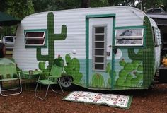 Would you like to go camping? If you would, you may be interested in turning your next camping adventure into a camping vacation. Camping vacations are fun Vintage Campers Trailers, Retro Campers, Vintage Caravans, Camper Trailers, Retro Travel Trailers, Vintage Motorhome, Camping Checklist, Camping Hacks, Camping Storage