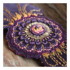 headband. beads, sequins, embroidery. // http://karolina-g.blogspot.com/2011/03/cos-na-gowe-i-nie-tylko.html