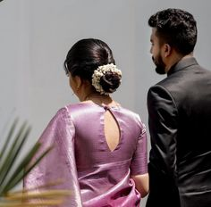 Silk Saree Blouse Designs, Fancy Blouse Designs, Bridal Blouse Designs, Blouse Neck Designs, Couple Wedding Dress, Desi Wedding Dresses, Lehenga Saree Design, Wedding Saree Collection, Bridal Hairdo