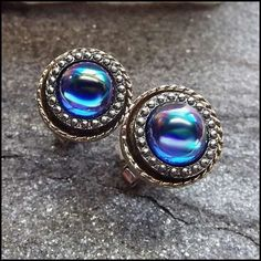Neon Blue Carnival Glass Vintage Cufflinks 1960s Mens Jewelry http://www.greatvintagejewelry.com/inc/sdetail/neon-blue-carnival-glass-vintage-cufflinks-1960s-mens-jewelry-/17498/18663