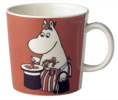 Children and adults alike fall in love with the sympathetic characters of Moomin Valley as created by the author Tove Jansson. The Arabia artist Tove Slotte-Elevant has designed the delightful Moomin objects in keeping with the original drawings.
