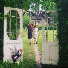 Styling https://www.happyvintage.nl Foto http://mooi-fotografie.nl Locatie http://www.kasteeltongelaar.nl/feesten