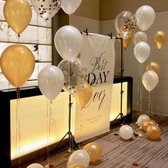 WB-1フォトスペース用装飾バルーンセット Birthday Decorations, Wedding Decorations, Wedding After Party, Work Inspiration, Diy And Crafts, Wedding Flowers, Balloons, Presents, Place Card Holders