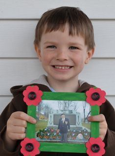 If you have a veteran in your life, this popsicle-stick frame is a great way to honour them on Remembrance Day. (fall crafts for kids popsicle sticks) Memorial Day Activities, Remembrance Day Activities, Remembrance Day Poppy, Poppy Craft For Kids, Crafts For Kids To Make, Kids Crafts, Craft Stick Crafts, Preschool Crafts, Craft Ideas