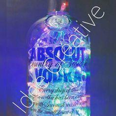 """Luminaria de garrafa absolut vodka.. . http://www.elo7.com.br/2f2ee8  Faça ja a sua encomenda... #art #absolutvodka #artist  #artistic #artists #arte…"""