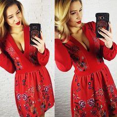 NOVINKA Krásne červené šaty s výstrihom do V posledné kusy dostupné aj v bordovej farbe Veľkosť UNI odporúčame na veľ.SML POSLEDNÝ KS za bezkonkurenčnú cenu 1690 Dodanie do 24hod. http://www.tvojstyl.fashion