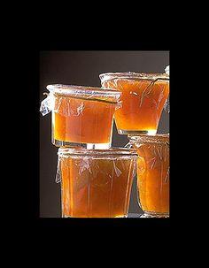 GourmandeIdée recette : confiture d'abricot aux oranges et aux amandes 1 kg d'abricots - 1 kg de sucre cristallisé - 4 oranges non traitées - 150 g d'amand...