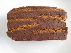 terrine chocolat et spéculoos (sans cuisson) – Val's in the kitchen chocolate and speculoos terrine (without cooking) Fancy Desserts, Delicious Desserts, Cake Recipes, Dessert Recipes, Desserts With Biscuits, Food Cakes, Chocolate Recipes, Chocolate Lava, Food And Drink