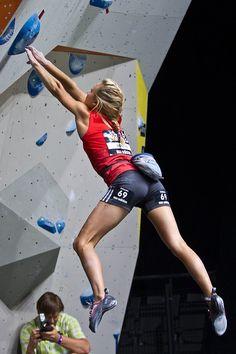 Sasha Digiulian Best wipes for sports Go to hypergo.com #climbing #hypergo…