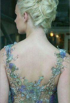 """""""Wire and sea glass bodice, fit for a mermaid or water nymph. By Diana Dias Leao"""" Fairy costume inspiration. Fashion Details, Look Fashion, Fashion Beauty, Fashion Art, Fashion Shoes, Girl Fashion, Diana, Water Nymphs, Glass Museum"""